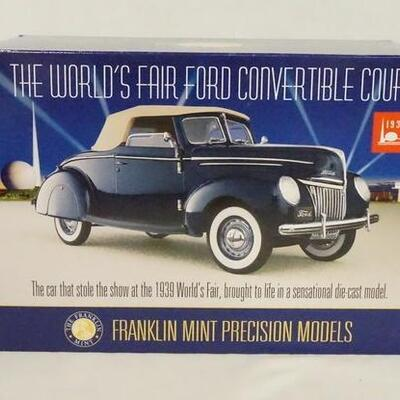 1019THE WORLDS FAIR 1939 FORD CONVERTIBLE COUPE 1:24 SCALE FRANKLIN MINT PRECISION MODEL IN ORIGINAL BOX.