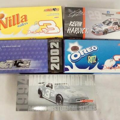 1043LOT OF FIVE ACTION COLLECTABLES NASCAR 1:24 SCALE MODEL CARS