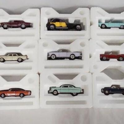 1042LOT OF 13 FRANKLIN MINT 1:43 SCALE DIE CAST MODEL CARS.