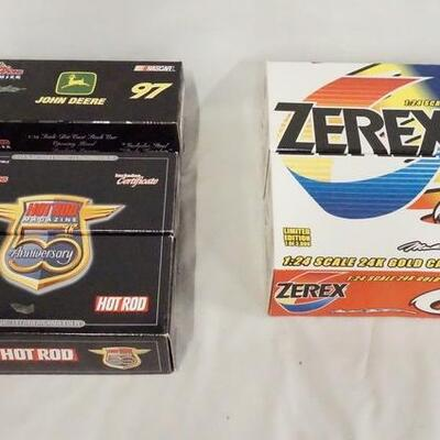 1078LOT OF FIVE RACING CHAMPIONS LIMITED EDITION NASCAR 1:24 SCALE MODEL CARS IN ORIGINAL BOXES
