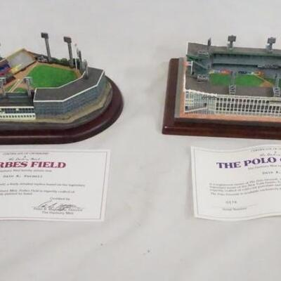 1083LOT OF TWO MODEL BASEBALL FIELDS FROM THE DANBURY MINT; FORBES FIELD & THE POLO GROUNDS.