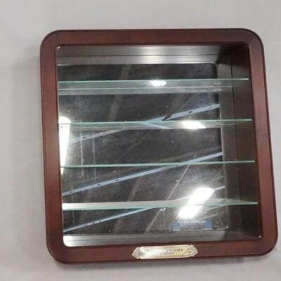 1098DISPLAY CASE FOR MODEL CARS W/ GLASS SHELVES & MIRROR BACK *GREAT RACING CARS OF HISTORY* 15 1/2 IN SQ, 3 3/4 IN DEEP.