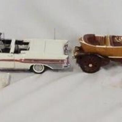 1023LOT OF FOUR 1:24 SCALE FRANKLIN MINT PRESICION DIE CAST MODEL CARS. LOT INCLUDES A 1914 ROLLS-ROYCE, A 1957 PONTIAC BONNEVILLE, A...