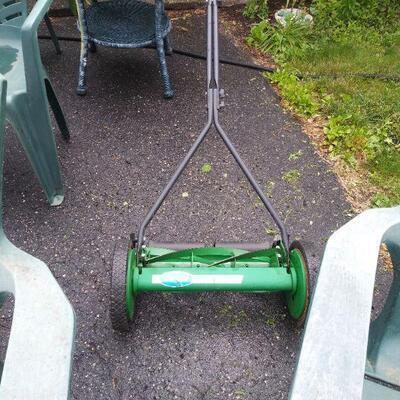 Scott's manual push lawnmower
