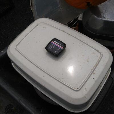 Presto electric pan with cord