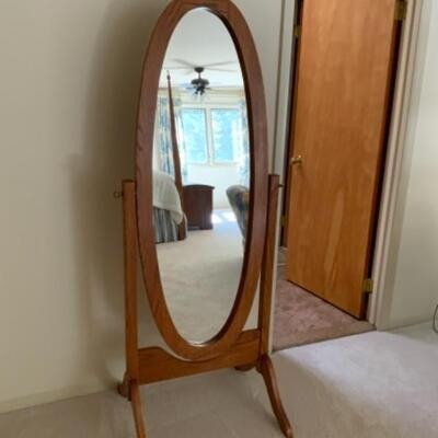Full mirror oval stand up