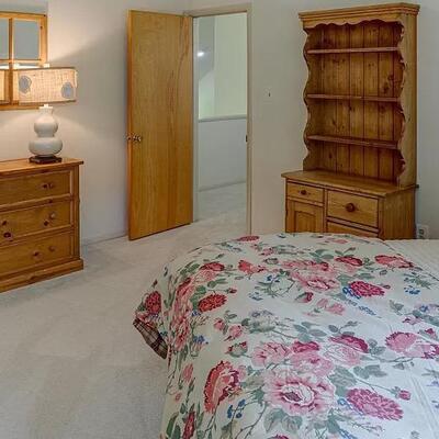 Queen bedroom suite with