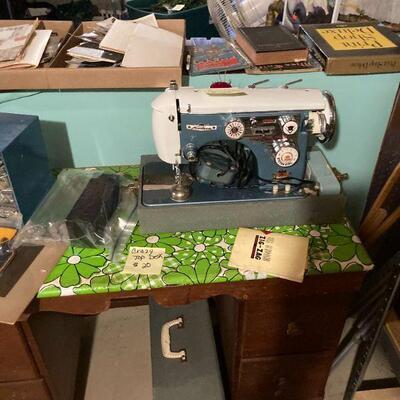 Modern Automatic Zig Zag sewing machine