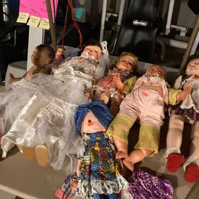 Doll mortuary