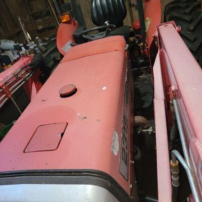 Massey Ferguson 1040 Tractor