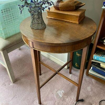 https://www.ebay.com/itm/124815358639ME6055: Round Accent Table Upstairs