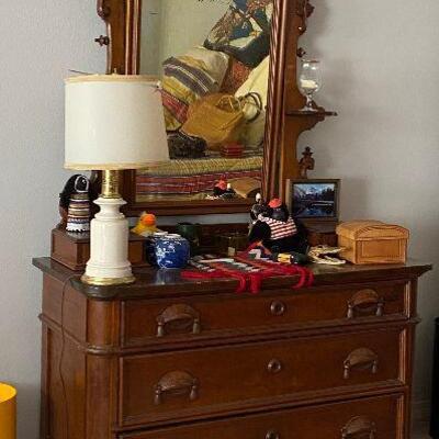https://www.ebay.com/itm/124815380586ME6034: Rococo Dresser with Mirrror