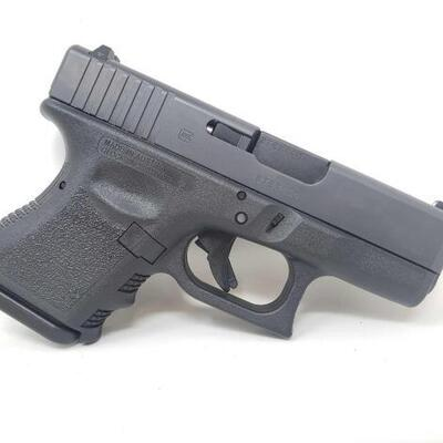 302  New In Box! Glock 19 9mm Semi-Auto Pistol Serial Number: BTCC272 Barrel Length: 3.875