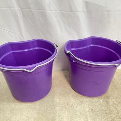 123  NEW Two (2) 20 Qrt. Flat back bucket, 11