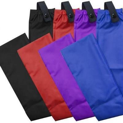 149  Showman ® Cordura nylon tail bag with button snap closure. Measures 4
