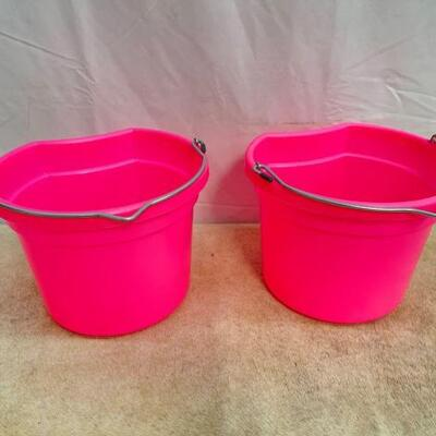 124  NEW two (2) 8 Qt Flat back bucket, 8.5