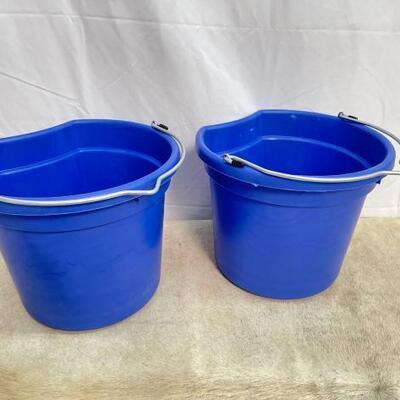 120  NEW Two (2) 20 Qrt. Flat back bucket, 11