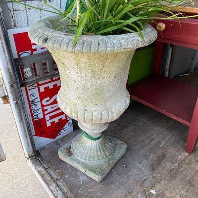 https://www.ebay.com/itm/114924834220SC6005 1900s New Orleans Cement Garden Planter from St Charles Ave Local Pickup