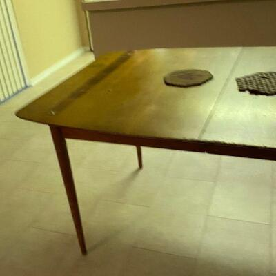 https://www.ebay.com/itm/124841642461LP8036 Mid Century Modern Drexel Adjustable Dining Table