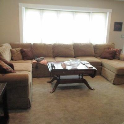 Basset Craftmaster Sectional Sofa With Chaise Lounge