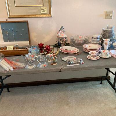 Reed & Barton flatware, dishes & decor
