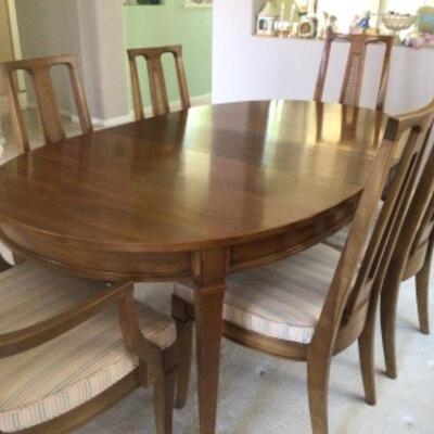 Dining table, 6 chairs, 3 leaves $125