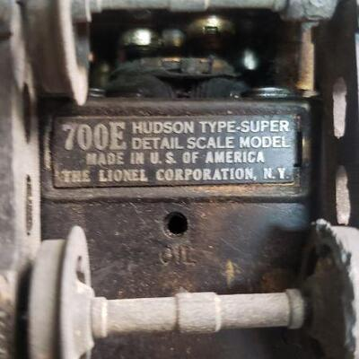 Lionel 700E Hudson Type Super detail Scale Model Engine  Item is damaged and only good for parts