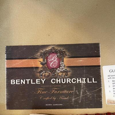 Bentley Churchill Sofa 92 x 39 x 35