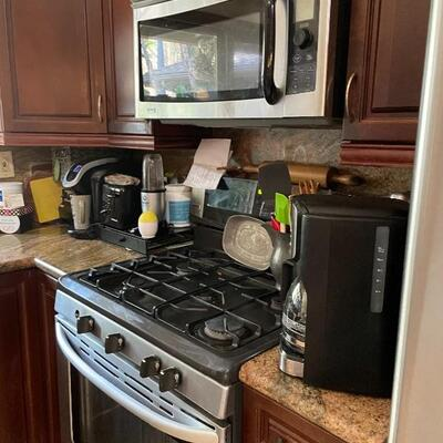 Appliances are all being sold as the client is remodeling before sale