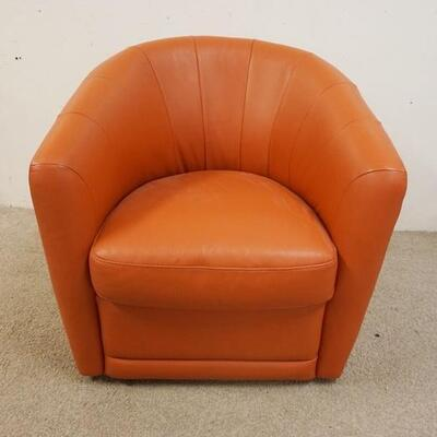 1088LEATHER SWIVEL CLUB CHAIR, MODEL 030, 30 1/2 IN WIDE X 33 IN HIGH