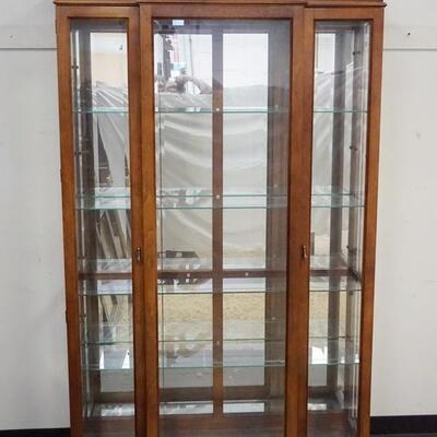 1086PULASKI CRYSTAL CABINET W/ BEVELED GLASS DOORS, MIRROR BACK & INTERIOR LIGHTING. 48 IN X 13 IN, 80 IN H