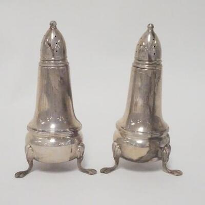 1029PAIR OF STERLING SILVER SALT & PEPPER SHAKERS, GLASS LINED, 4 1/2 IN HIGH