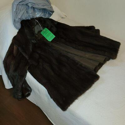 EXCEPTIONAL MINK COAT, SMALL