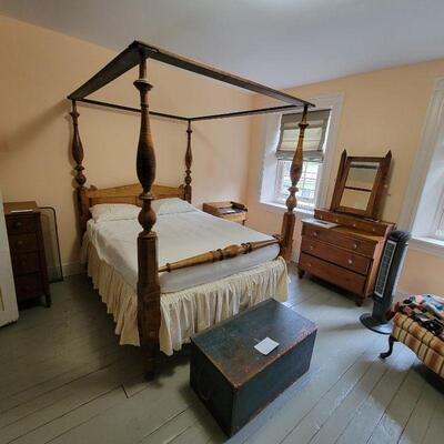 ANTIQUE TIGER MAPLE 4 POSTER EARLY 19TH CENTURY BED WITH CANOPY RAIL