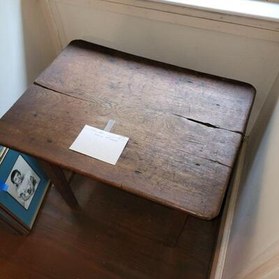SCHOOL HOUSE TABLE, SIDE TABLE PRIMITIVE MID ATLANTIC, OAK 19TH CENTURY