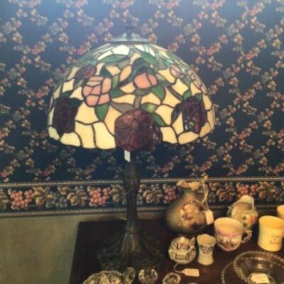 Beautiful Tiffany-style lamp.