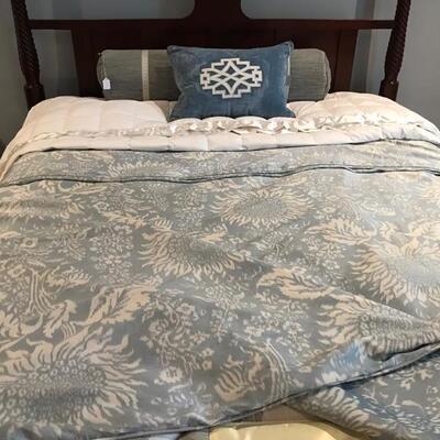 queen size silk duvet $150