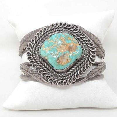 1522  Native American Large Turquoise Sterling Silver Cuff Weighs 66.4g Measures Approx 2.5