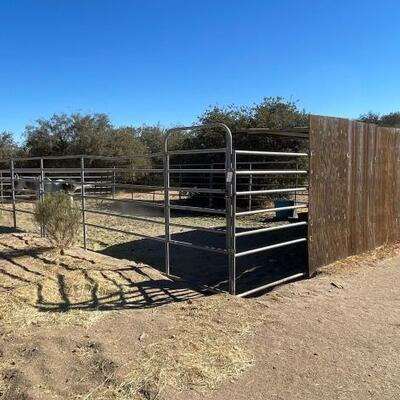 1020  Panels and Shelter 3) 24 x 6 panels 1) 24 x 6 panel with walk through gate 1) 24 x 5. Panel Shelter is approximately 10x14 x 8 7)...