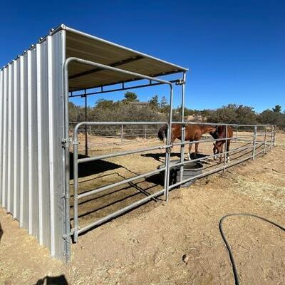 995: Panels and Shelter 4) 24' panels 1) 24' panel with walk through gate Shelter is approximately 24' x 8'