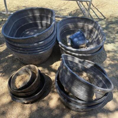 1110  Little giant Stock Tanks and feed bowls 7) Deep 3) Small 7) Feed bowls 1) Bucket
