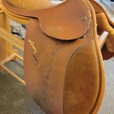 2022  N. Pessoa English Saddle Rack not included