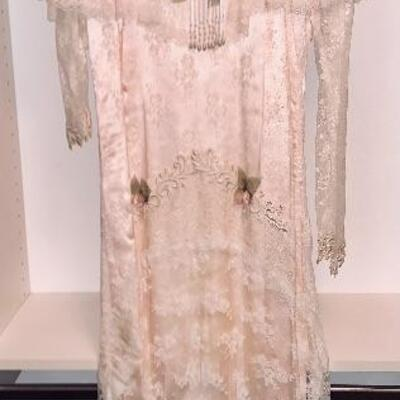 Very Fine Ladies Pale Pink Lace Gown