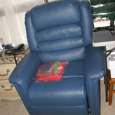 leather electric lift chair   BUY IT NOW $ 185.00