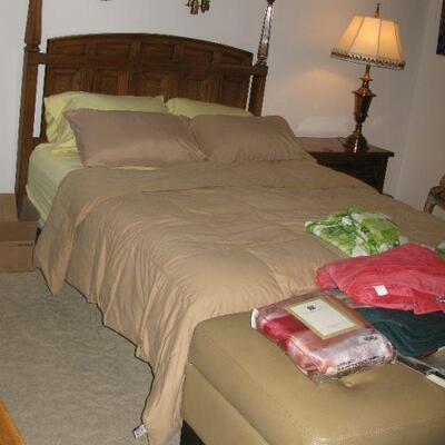 queen size bed   buy it now $ 95.00