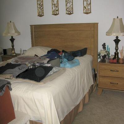 queen size bed   buy it now $ 65