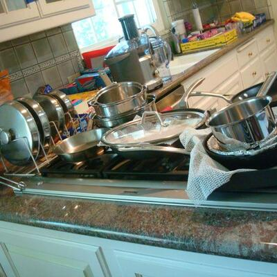STAINLESS STEELE COOKWARE