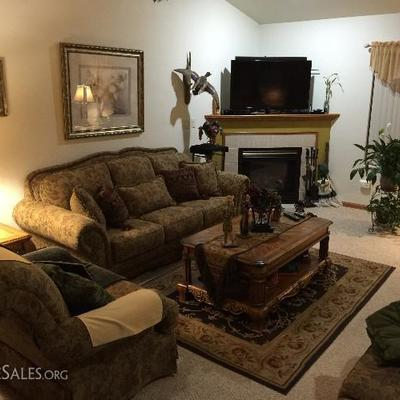 Furniture Home Decor And More Oshkosh Wi 54904 Estatesales Org
