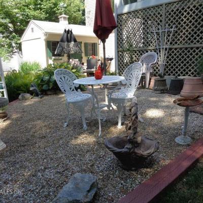 Rod iron patio set